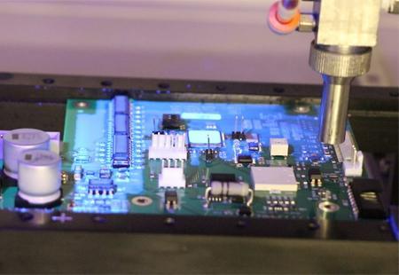 LED 및 UV 광경화 컨포멀 코팅